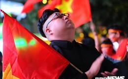 Chung kết Malaysia vs Việt Nam: Giật mình với CĐV giống hệt nhà lãnh đạo Triều Tiên Kim Jong Un