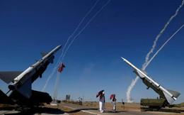 Nga triển khai S-300 áp sát liên quân Mỹ ở Syria: Quá táo bạo!