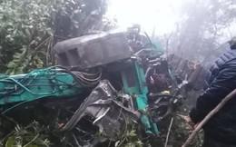 1 người chết, 3 người nguy kịch khi xe lao xuống vực ở Sơn La