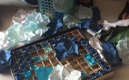 Chia sẻ cực hot của tân SV về hộp hoa hồng giấy bị vứt dưới gầm giường KTX và bí mật về một tình yêu chưa được nói ra