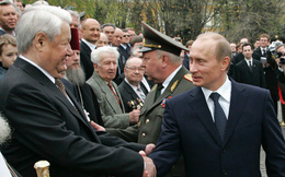 """Đưa ra đề nghị hấp dẫn, ông Yeltsin """"choáng"""" vì lời khước từ thẳng thừng của ông Putin"""