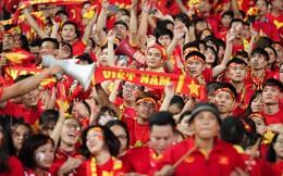 Trước chung kết 2 ngày, cổ động viên Việt Nam truyền tay nhau bí quyết cổ vũ truyền lửa cho đội tuyển