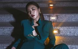 Văn Mai Hương vẫn đầy gợi cảm dù diện menswear cá tính