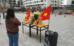 Người Hà Nội lập bàn thờ, thắp hương mong Việt Nam chiến thắng trận chung kết AFF Cup 2018