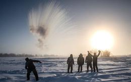 7 ngày qua ảnh: Nước nóng hóa băng trong nháy mắt ở Nga