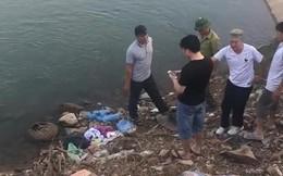 Phát hiện thi thể bé sơ sinh nhét trong balo cạnh bờ sông