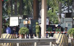 """Hình ảnh trạm BOT Bắc Thăng Long – Nội Bài """"thất thủ"""" do lái xe phản đối"""