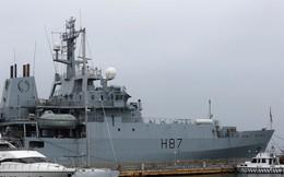 """Ukraine """"xui"""" tàu Anh đi qua eo biển Kerch để thử Nga, Moscow đáp lời: Quá điên dại!"""