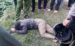 Hà Nội: Hai thanh niên nghi trộm chó bị người dân vây đánh gục giữa ruộng