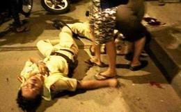 Gây tai nạn, tài xế ô tô chửi bới, đánh ngã CSGT khi bị mời xuống làm việc ở Sài Gòn