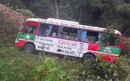 Xe buýt chở hơn 20 khách lao xuống vực sau cú đối đầu xe ben trên quốc lộ