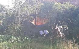 Thi thể người đàn ông nằm dưới ao sau hỗn chiến với hàng xóm trong đêm