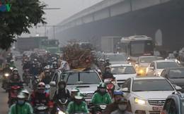 Đường phố Hà Nội ùn tắc kinh hoàng bất kể giờ giấc