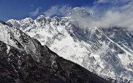 Trung Quốc bị cáo buộc thay đổi chiều cao đỉnh Everest để lôi kéo khách leo núi