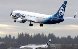 Máy bay hạ khẩn vì hành khách khỏa thân làm loạn