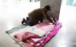 Lao động nghèo vật vờ dưới gầm cầu: 'Chỗ ngủ còn không có, lấy đâu ra tiền về quê ăn Tết!'