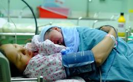 TP HCM: Bé trai 3,8kg sinh đúng thời khắc Giao thừa năm Mậu Tuất 2018