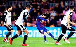 """Messi tung """"nhát kiếm"""" hạ 6 đối thủ, Barcelona tiến gần đến chung kết"""