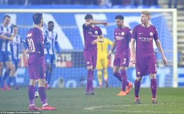 Thua muối mặt đội hạng 3, Man City chính thức chia tay chiếc cúp đầu tiên