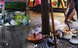 """Rác ngập phố đi bộ Nguyễn Huệ sau Tết và tâm tư của người trẻ: """"Là người duyên dáng, chúng ta khư khư rác trong tay đến khi tìm thấy sọt"""""""