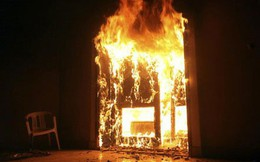 Bị đòi chia tay, thanh niên ở Sài Gòn mang xăng đốt nhà bạn gái