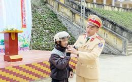 Tuyên truyền an toàn giao thông bằng tiếng dân tộc thiểu số ở Cao Bằng