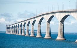 Thiết kế thông minh của cây cầu này có thể cắt băng thành những dải chữ nhật khổng lồ rộng 250m