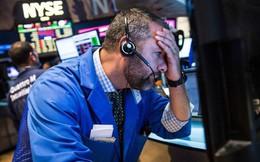 Dow Jones giảm 666 điểm, chứng khoán Mỹ rung lắc