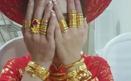 """Ngày cưới """"được"""" chị chồng cho vàng giả, lại còn đem khoe khắp nơi, nàng dâu nhờ tư vấn cách trả đũa"""