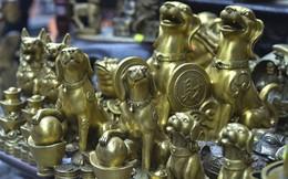 Tượng chó bằng đồng giá bạc triệu hút khách năm Mậu Tuất