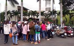 Đắk Lắk họp khẩn tìm giải pháp vụ hàng trăm giáo viên bị chấm dứt hợp đồng