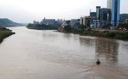 Thuyền máy gặp nạn, 5 người chết đuối, 4 người mất tích trên sông Hồng