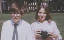 Những bức ảnh ít người biết tới về thời trẻ của giáo sư thiên tài Stephen Hawking