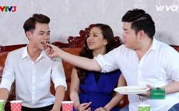 Quang Lê tự tay đút thức ăn cho học trò nam, cùng nấu ăn với nhóm thí sinh nữ