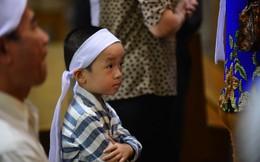 Hàng nghìn giáo dân viếng Tổng giám mục Phaolô Bùi Văn Đọc tại nhà thờ Đức Bà