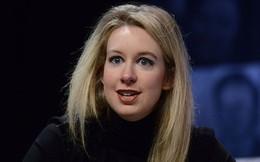 """Từng là nữ tỷ phú trẻ nhất nước Mỹ, được mệnh danh """"Steve Jobs thứ hai"""", nay bị buộc tội lừa đảo 700 triệu USD, mới nộp có 500 nghìn USD"""