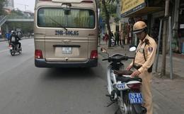 Tước bằng, phạt 1 triệu đồng tài xế cố qua cầu vượt Thái Hà