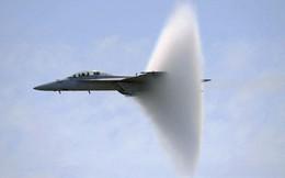 """Tiêm kích F/A-18 """"Ong bắp cày"""" trên tàu sân bay Mỹ sẽ vút lên trên vùng trời Đà Nẵng?"""