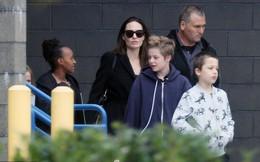 Angelina Jolie vui vẻ tụ tập cùng các con giữa tin đồn chuẩn bị kết hôn với tỷ phú người Anh