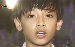 Hot boy nhí 10 tuổi xuất hiện trên bản tin VTV gây chú ý vì giống Jungkook (BTS)
