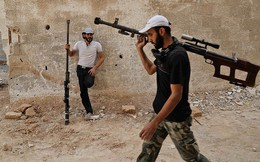 """Các nhà sản xuất vũ khí Đông Âu - Trung Á """"vớ bẫm"""": Mỹ sẽ tiếp tục chuyển lửa vào Syria"""