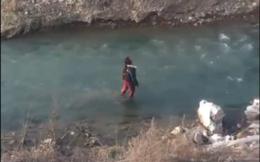 Từ bỏ ý định tự tử vì nước sông cao không quá đầu gối