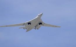 """""""Thiên nga trắng"""" Tu-160 được hiện đại hóa, bay thêm cả ngàn km và tàng hình"""