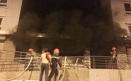 Chung cư Carina Plaza cháy lại lúc giữa trưa, nhiều người hốt hoảng bỏ chạy