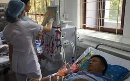 Bệnh nhân rưng rưng nước mắt, mong muốn BS Lương tiếp tục được làm việc
