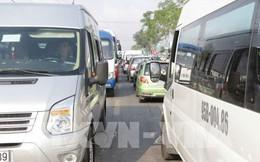 Ba ô tô gây tai nạn giữa đường, ùn tắc 4km trên Quốc lộ 1A