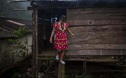 Bên trong ngôi làng chỉ còn toàn phụ nữ và trẻ em, đàn ông bị cướp dần sinh mạng