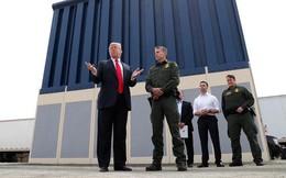 """Tổng thống Trump """"đá bóng"""" bức tường biên giới sang quân đội"""