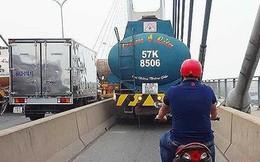 Tước bằng lái 2 tháng tài xế chạy xe bồn vào làn xe máy trên cầu Phú Mỹ