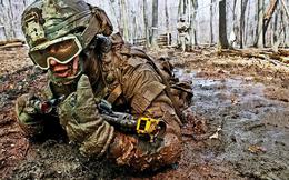 Cận cảnh binh sĩ Mỹ huấn luyện vượt mọi địa hình phức tạp